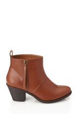 Ankle Boots €23.45 Forever 21 Available in Black also