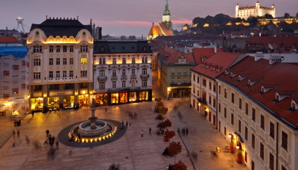 bratislava_castle_and_old_town