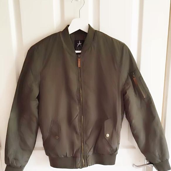 Khaki, bomber jacket, fashion, style, fashion blogger, photography, Irish fashion blogger