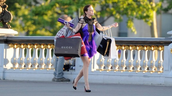 blair-waldorf-shopping